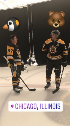 Sidney Crosby and Patrice Bergeron. It doesn't get much better than this! Ice Hockey Rules, Patrice Bergeron, Penguin Love, Sidney Crosby, Boston Bruins, Pittsburgh Penguins, Athletes, Nhl, Pens