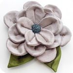 40 different ways to make fabric rosettes.