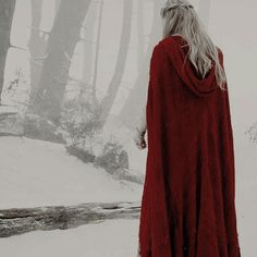 Fantasy – White and Red on We Heart It Image discovered by ηєвυlα αsgαя∂. Find images and videos about white, red and fantasy on We Heart It – the app to get lost in what you love. Story Inspiration, Character Inspiration, Mythos Academy, Jane Foster, Twilight, Yennefer Of Vengerberg, Elfa, The Adventure Zone, Throne Of Glass Series