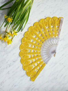 Mano ventilador amarillo mano Held Fan nupcial ramo