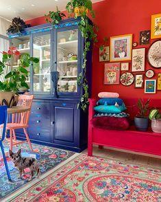 Bohemian Style Home Dekore mit neuesten Designs - Bohemian Home Gypsy Bohemian House, Bohemian Style Home, Bohemian Decor, Bohemian Furniture, Living Room Decor, Bedroom Decor, Dining Room, Wall Decor, Colourful Living Room