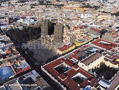 Hermosa toma de Puebla de los Angeles...
