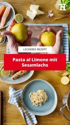 Bella Italia. Amalfiküste. Der Duft frischer Zitronen und das Rauschen der Wellen. Doch keine Sorge, bevor das wehmütige Seufzen losgeht, weil es mit dem Verreisen vielleicht doch noch etwas dauert, hilft dieses frische Rezept in jedem Fall, um vorab in die richtige Stimmung zu kommen.   Einfach Rezept lecker lachs low carb recipe easy pasta italienisches rezept mittagessen nudeln zitrone lemon Low Carb, Food, Italian Recipes, Salmon, Eat Lunch, Fresh, Essen, Meals, Yemek
