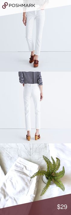 """Madewell Straight crop jeans sz 28 Madewell Straight crop jeans. Sz 28. Waist flat across 16"""" rise 10"""" inseam 26.5"""" Madewell Jeans Ankle & Cropped"""