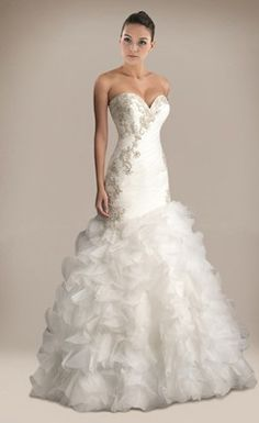 Beautiful Ruched Trumpet/Mermaid Sweetheart Floor-length Wedding Dress with Appliques and Beadings