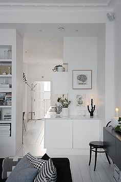 Interior design ideas 2019 and decorating ideas for home decoration - interior design for bedroom, living room, dinning room, bathroom and kitchen for a beautiful home decoration. Minimalism Interior, House Design, Home Living Room, Interior, Home, House Interior, White Interior, Interior Design, Home And Living