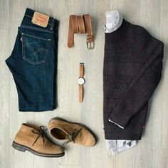 If you've been looking for inspiration on how to wear desert boots with jeans, we've prepared a look book for… Mode Outfits, Casual Outfits, Fashion Outfits, Denim Outfits, Mode Masculine, Look Fashion, Winter Fashion, Fashion 2016, Fashion Men