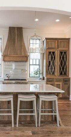 Love the traditional glam twist this is our kitchen! With black accents Inspiring Traditional Farmhouse Kitchen Decoration Ideas Home Interior, Interior Styling, Interior Design, Kitchen And Bath, Kitchen Decor, Kitchen Ideas, Kitchen Hutch, Red Kitchen, Kitchen Designs