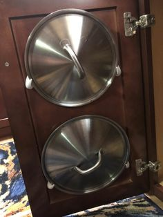 """nd here's a way to store the lids for your pots and pans — affix command hooks inside cabinet doors, like this: 19 Ingenious Life Hacks That'll Have You Saying """"Why Didn't I Know About This Sooner? 25 Life Hacks, Simple Life Hacks, Useful Life Hacks, Home Hacks, Hacks Diy, 1000 Lifehacks, Inside Cabinets, Cupboards, Command Hooks"""
