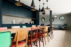 Büronauten AG // Amazee Labs office in Zürich - Switzerland ; dark blue kitchen