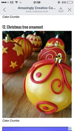 Christmas bauble cakes