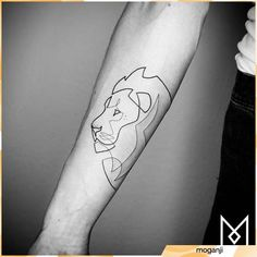 These Minimalist Tattoos are Made With a Single Line If you like minimalist tattoos, Mo Ganji is a German tattoo artist with a unique style. One of the main aspects of his designs is they are made of a single continuous line. The result is simple pol… Form Tattoo, One Line Tattoo, Single Line Tattoo, Shape Tattoo, Leo Tattoos, Subtle Tattoos, Small Tattoos, Tattoos For Guys, Flower Tattoos