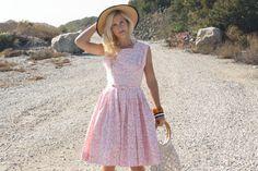 Vintage 60s Betty Kemp Pink Floral Shelf Bust Dress w/ Waist Belt M #whendecadescollide #1960s #1960sdress #vintagedress