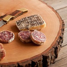 Learn how to make this wood slice serving board. (via ManMade)