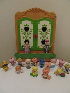 oh how i loved those dolls...