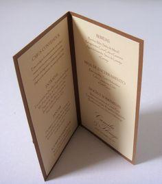 MENUS E CARDS RESERVAS PARA EVENTOS Podemos alterar as cores, estilos de fontes de texto, estilos de laços, mensagens entre outros detalhes TAMANHO DO MENU: menu fechado, 10,5cm x 21cm altura menu aberto 21x21cm Obs: O CARD RESERVA DA IMAGEM, não acompanha o menu, a venda deste é feita sep...