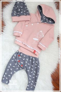 Inspiration sewing ribbon braid button buttons placket hood, jacket pants hat top part baby Ribbon Braids, Chanel Couture, Little Girl Outfits, Easy Knitting, Baby Sewing, Jacket Style, Hooded Jacket, Kids Fashion, Fashion Clothes