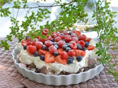 Real Food Recipes, Cookie Recipes, Yummy Food, Pudding Desserts, No Bake Desserts, Norwegian Food, Berry Cake, Crazy Cakes, Sweet Cakes