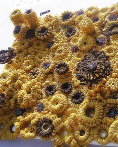Donata Crochet Art - Talking Crochet Updates - February 2016 - Vol. 13 No. Freeform Crochet, Crochet Art, Free Crochet, Crochet Patterns, Crochet World, Yarn Bombing, February 9, Knitting, Creative