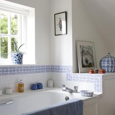 Guest en suite | West Sussex country cottage | House tour | PHOTO GALLERY | 25 Beautiful Homes | Housetohome