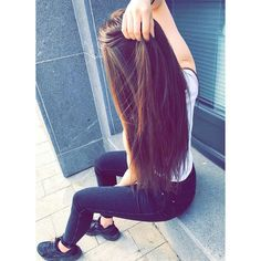 Hairstyles and Beauty: The Internet`s best hairstyles, fashion and makeup pics are here. Cute Girl Pic, Stylish Girl Pic, Tumblr Photography, Girl Photography Poses, Girl Photo Poses, Girl Poses, Foto Top, Girl Hiding Face, Foto Casual