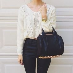 Such a chic, classy outfit.