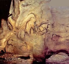 Black frieze at Pech Merle, showing mammoths, bison, aurochs, horse and red dots. - Peche Merle cave (France), circa 22,000 years ago