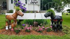 Clay flower pot horses, love this !! ♡♡