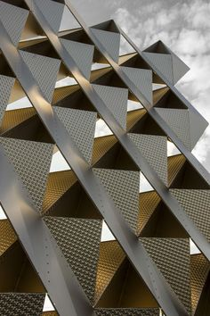 The research represented by project has an underlining goal of producing self-structuring and lightweight architectural screens built entirely from thin. Metal Screen, Facade Architecture, Architectural Elements, Industrial Design, Exterior, Texture, Hourglass, Zig Zag, Triangles