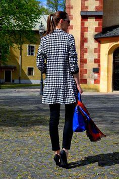 Mademoiselle IVA: houndstooth coat