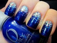 How to easily remove a glitter nail polish - My Nails Blue Glitter Nails, Sparkly Nails, Gradient Nails, Prom Nails, Fancy Nails, Trendy Nails, Cute Nails, My Nails, Glitter Bomb