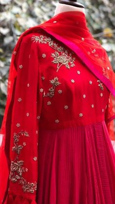 Best 12 Beautiful Hand Embroidery Page 317855686200707442 SkillOfKing. Bridal Mehndi Dresses, Bridal Outfits, Pakistani Dresses, Indian Dresses, Indian Outfits, Indian Designer Outfits, Designer Dresses, Ethnic Fashion, Indian Fashion