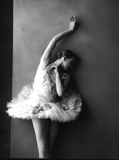 ∴ The Last of Balanchine's Ballerinas: Darci Kistler (retired 2010). Photo: Annie Leibovitz.