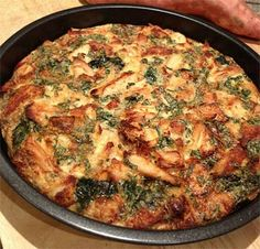 Édesburgonyás-csirkemelles sült fritatta- diétás recept Diabetic Recipes, Diet Recipes, Chicken Recipes, Healthy Recipes, Vegetarian Recepies, Egg Dish, Frittata, Paleo, Clean Eating