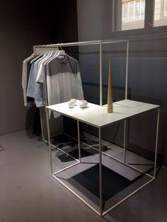 Nendo for cos - milan 2014 interior : retail магазин интерье Display Design, Store Design, Design Shop, Design Art Nouveau, Retail Fixtures, Concept Shop, Design Logo, Retail Concepts, Design Furniture