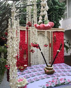 Punjabi Wedding Decor, Desi Wedding Decor, Wedding Hall Decorations, Marriage Decoration, Backdrop Decorations, Diwali Decorations, Flower Decorations, Backdrops, Backdrop Ideas