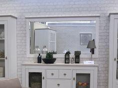 Klasyczne lustro które optycznie powiększy twój nastrojowy salon w stylu Schabby Chic od meble-do.pl