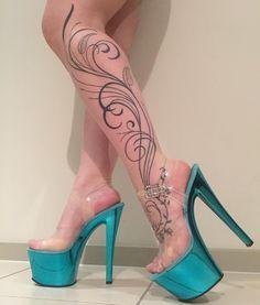 Leg Tattoos Women, Sexy Tattoos, Body Art Tattoos, Henna Tattoo Designs, Foot Tatoos, Stripper Heels, Pantyhose Heels, Gorgeous Feet, Pretty Toes