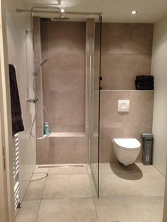 Very Small Bathroom Design . Luxury Very Small Bathroom Design . 20 Design Ideas for Small Bathrooms that Look Perfect and Amazing Small Bathroom Tiles, Small Bathroom With Shower, Cheap Bathrooms, Bathroom Design Small, Bathroom Layout, Modern Bathroom, Small Bathrooms, Bathroom Ideas, Shower Ideas