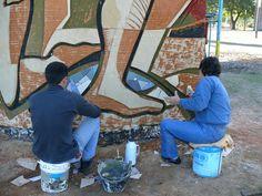 """Sculpture and paint! """"Corrientes, Sociedad Donante"""" (Corrientes, Donor Society?) with ERA (Estudio de Realizaciones Artísticas) (Studio of Artistic Achievement)"""