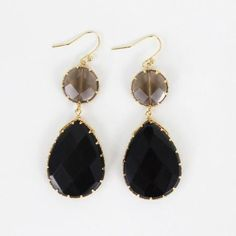 Sparkling and elegant teardrop earrings that are p