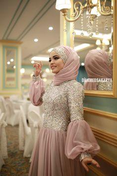 G r nt n n olas i eri i 1 ki i ayakta Hijab Dress Party, Hijab Style Dress, Hijab Wedding Dresses, Hijab Bride, Bridesmaid Dresses, Dress Wedding, Wedding Bridesmaids, Muslim Fashion, Modest Fashion
