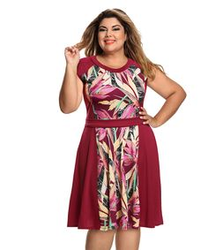 Buying plus size clothes are not easy. The biggest problem with buying clothes for women with the plus-size is either n… Curvy Fashion, Plus Size Fashion, Womens Fashion, Island Outfit, Muumuu, Modelos Plus Size, Flattering Dresses, Plus Size Beauty, Couture