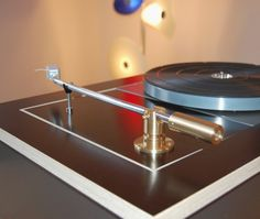 Schick Tonarm, Modified Thorens 150, cutom made plinth, Denon 103, Lenco Headshell, lift put aside