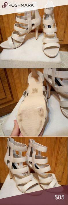 ⏬1 HOUR SALE!⏬NWOT WHBM Heels White House Black Market Women's size 8 Beautiful shoes White House Black Market Shoes Heels