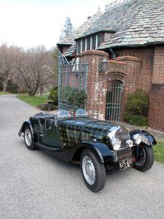 1953 Morgan plus 4 with hand painted plaid tartan bonnet.