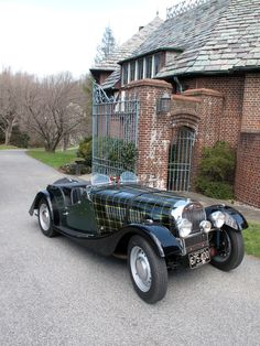 1953 Morgan plus 4 with hand painted plaid tartan bonnet.