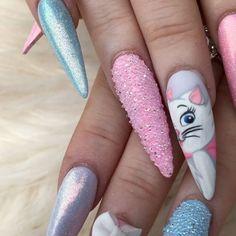 Ashlee's aristocrat Christmas nails #Marie #aristocrat #Disneynails #handpainted #4Dbows