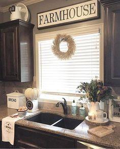 31 Rustic farmhouse kitchen for 2019 & 52 Affordable farmhouse kitchen cabinet … - Kitchen Decor Ideas Style At Home, Easy Home Decor, Cheap Home Decor, Farmhouse Kitchen Cabinets, Farmhouse Decor, French Farmhouse, Modern Farmhouse, Kitchen Dining, Kitchen Rustic