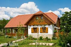 A pilisi hegyek lábánál - Szép Házak Old Country Houses, Log Homes, Traditional House, My Dream Home, Exterior Design, Building A House, Cottage, House Design, Cabin